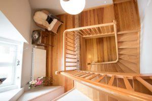 Beispiel unserer Arbeiten Malerbetrieb Neubauer Bodenbeläge Holz Lackierarbeiten
